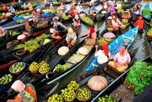 Pasar-Terapung-Banjarmasin wisatabanjarmasin.com