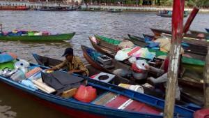 banjarmasin.com/pedagang pasar terapung wisatabanjarmasin.com